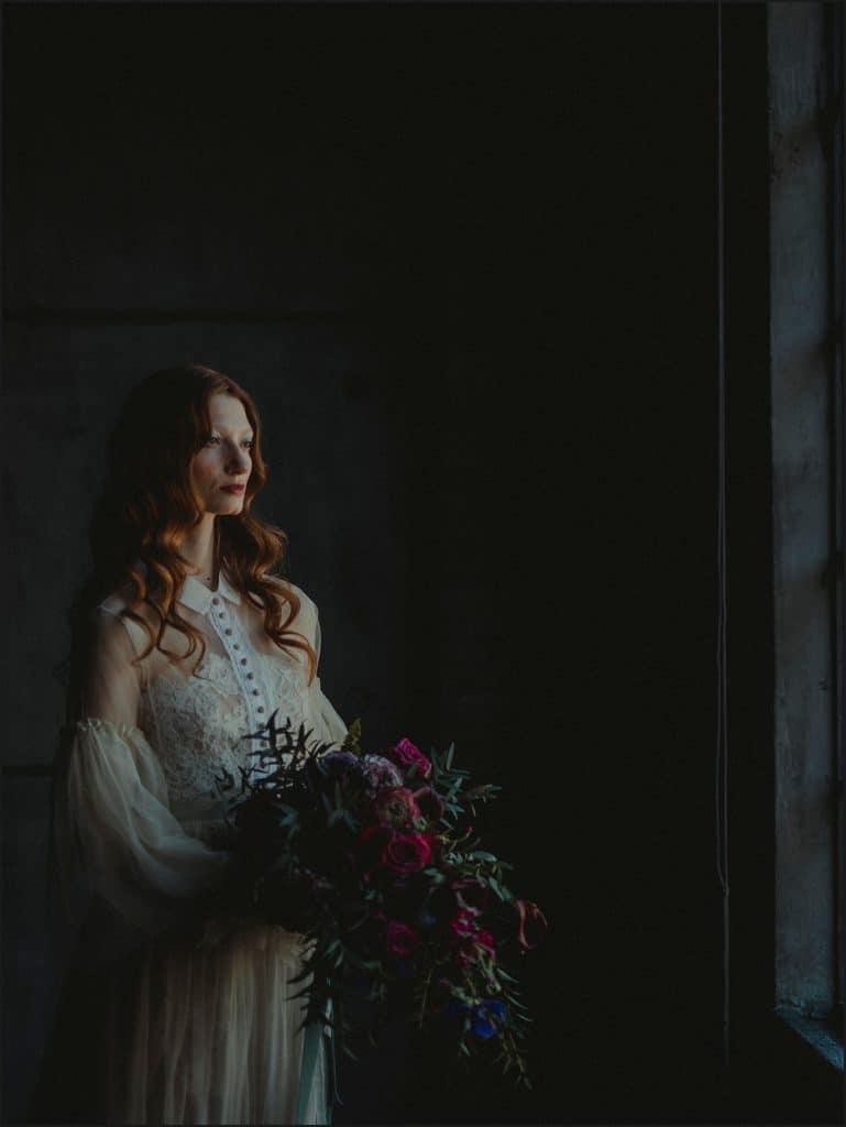 bride portrait, natural light, window, decadence, unconventional wedding, cross studio, milan, wedding photographer, wedding in italy