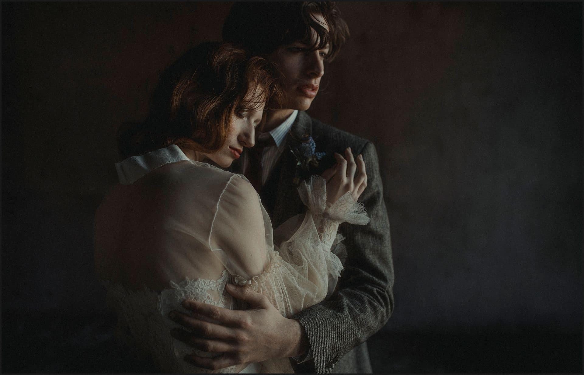 bride and groom, intimate portrait, romantic portrait, unconventional wedding, cross studio, milan, wedding photographer, wedding in italy
