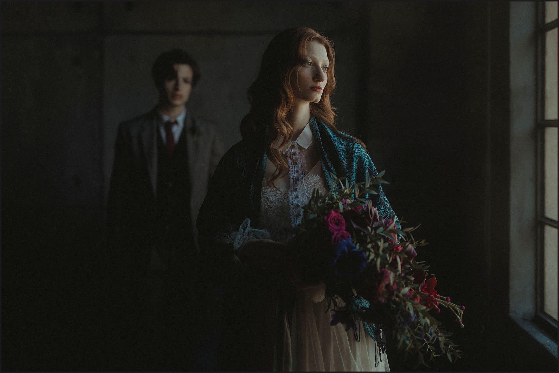 bouquet, wedding flowers, bride, groom, wedding dress, unconventional wedding, cross studio, milan, wedding photographer, wedding in italy