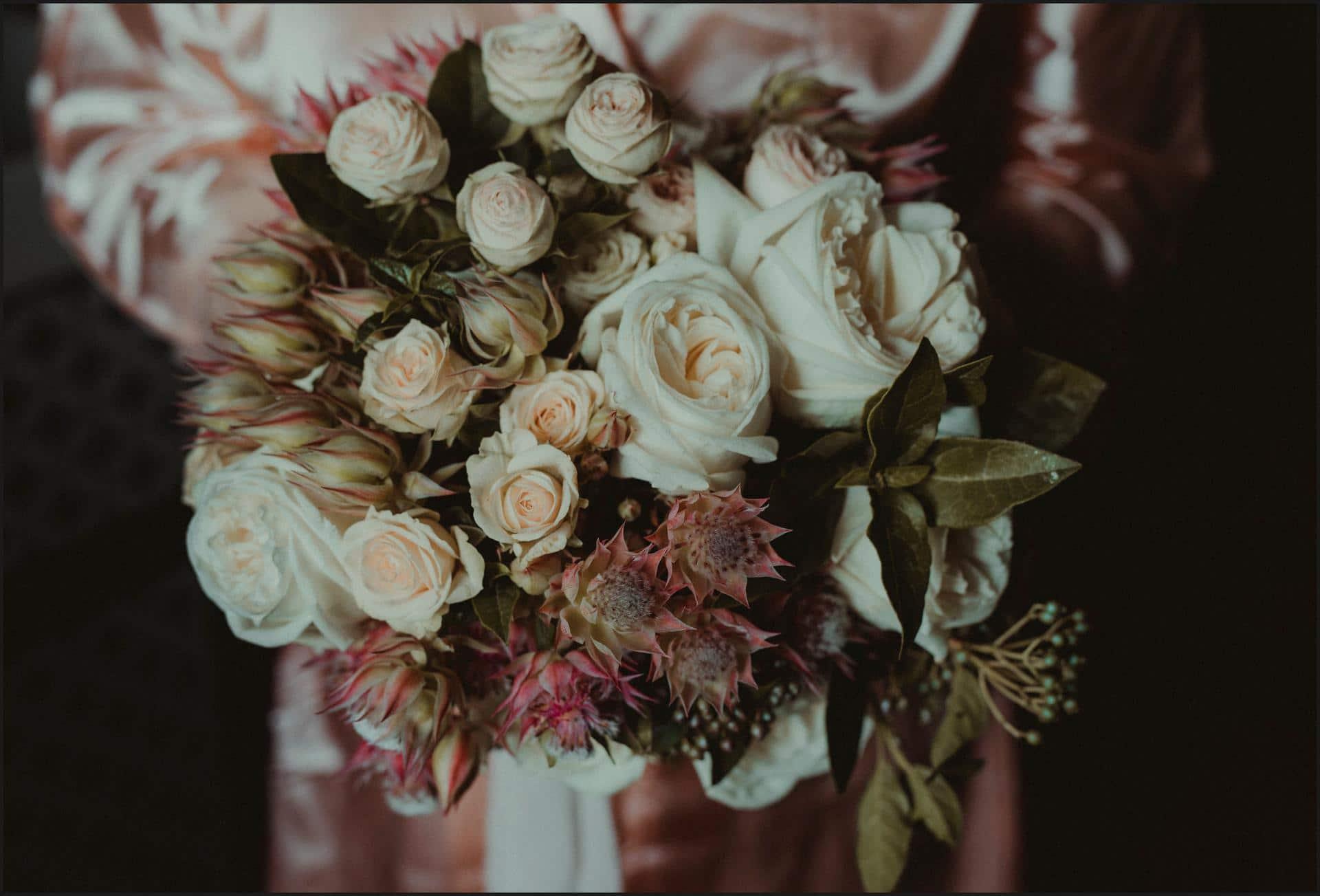 borgo di tragliata, wedding, rome, wedding in rome, flowers, bouquet, bride