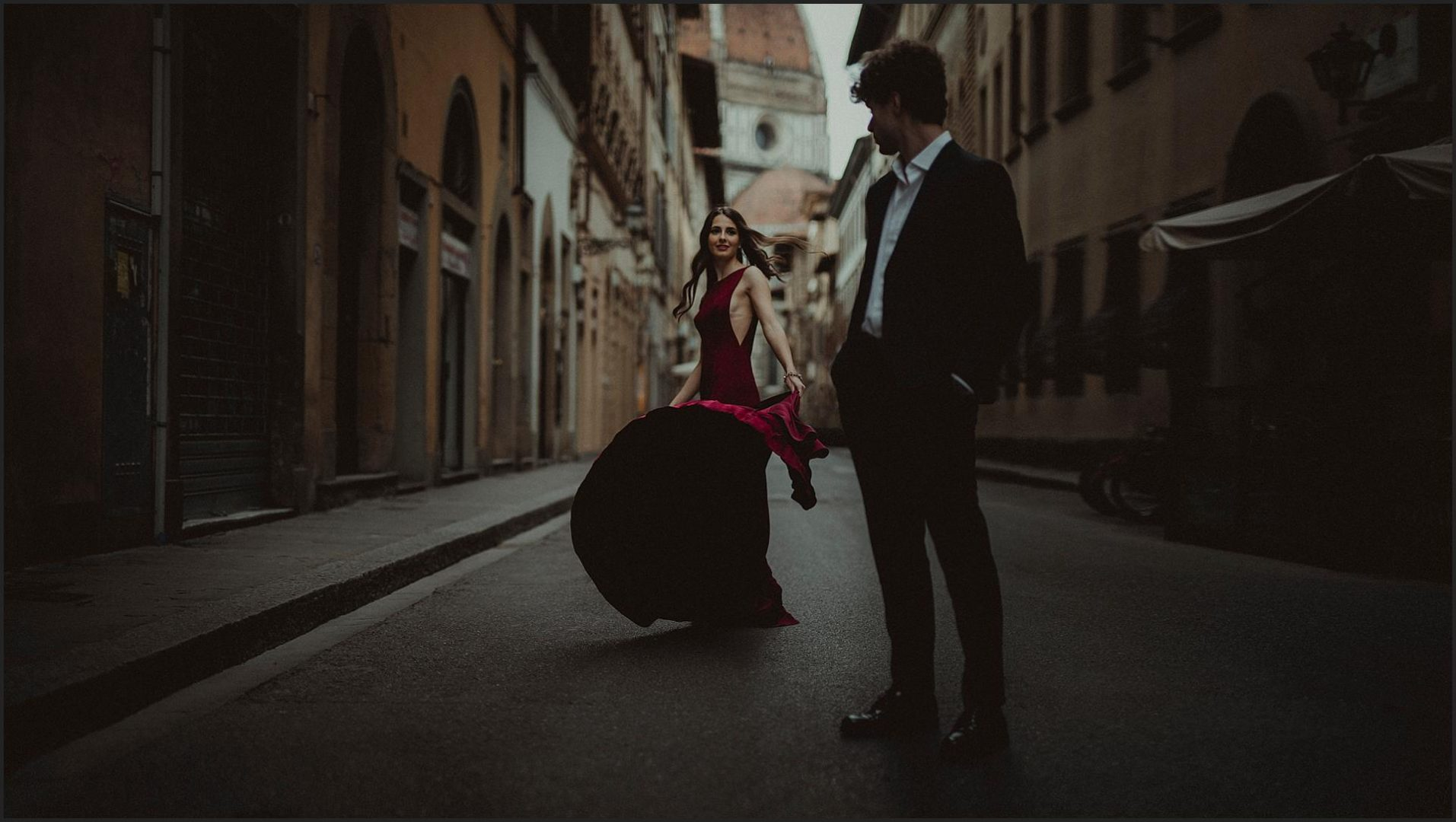 Bride, groom, florence, duomo, red dress, Italy wedding photographer
