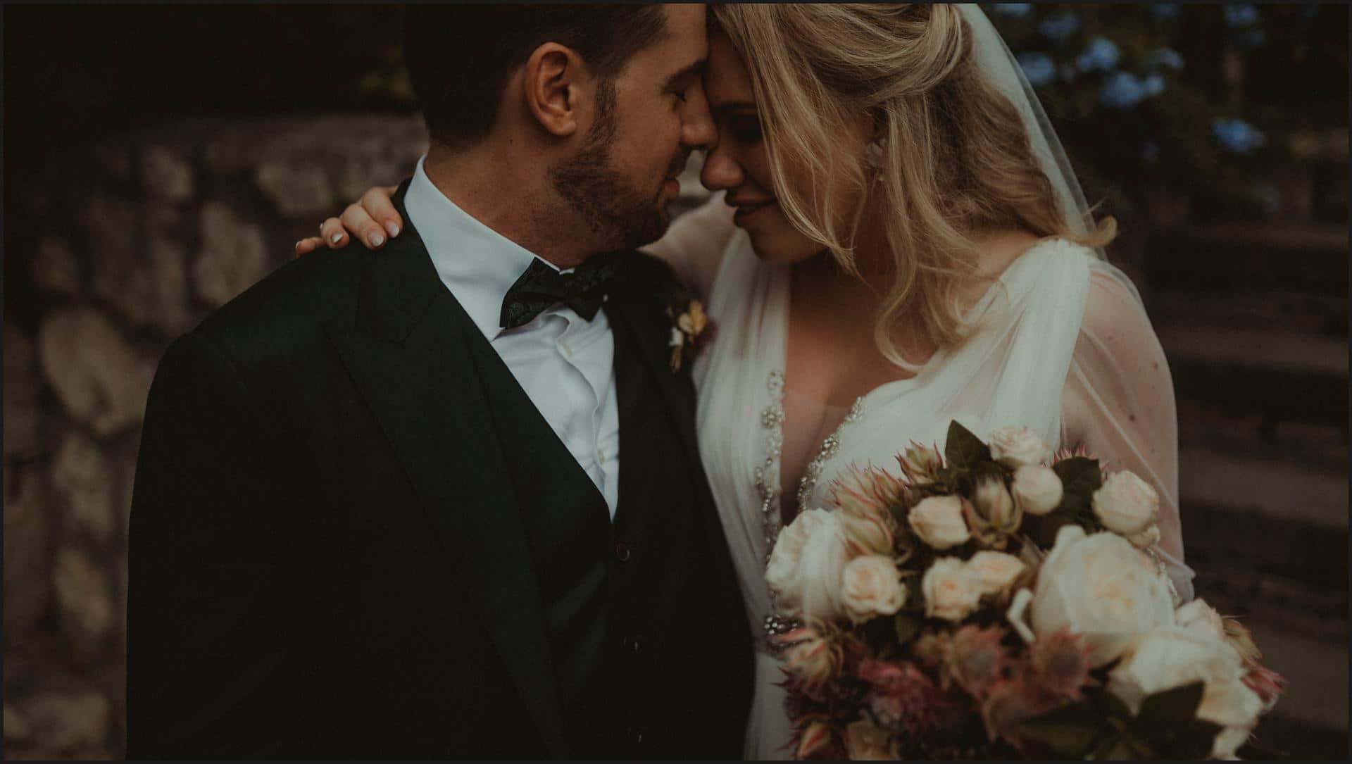 borgo di tragliata, wedding, rome, wedding in rome, flowers, bouquet, bride, groom, italy wedding photographer, destination wedding in rome, rome wedding photographer