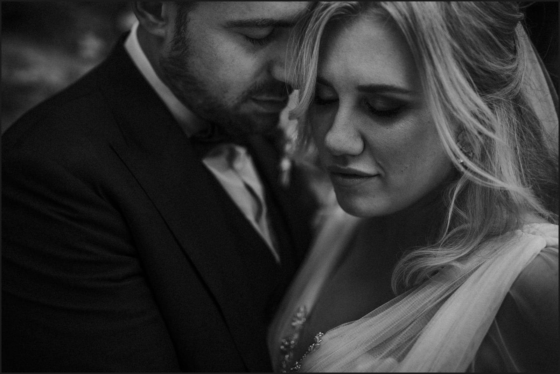 black and white, borgo di tragliata, wedding, rome, wedding in rome, destination wedding